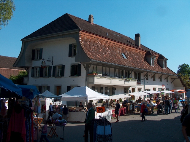 Brocante am Rathausplatz